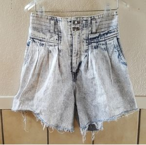 Vintage 1990s stone washed high waist jean shorts
